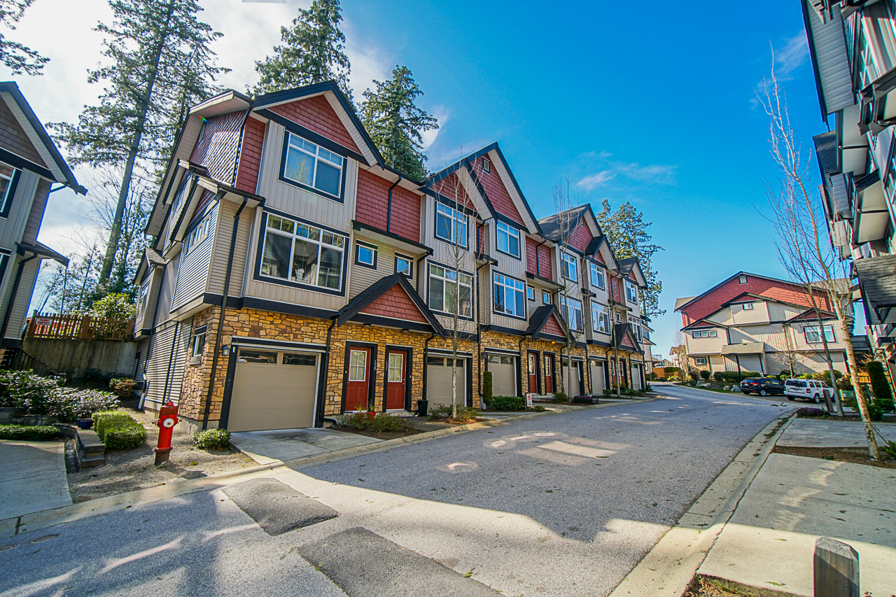 Just Listed in Sullivan Heights Altura. 133 6299 144th St. Surrey BC