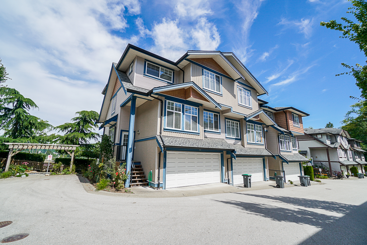 Just Listed in Ravina.  23 14462 61a Ave Surrey BC