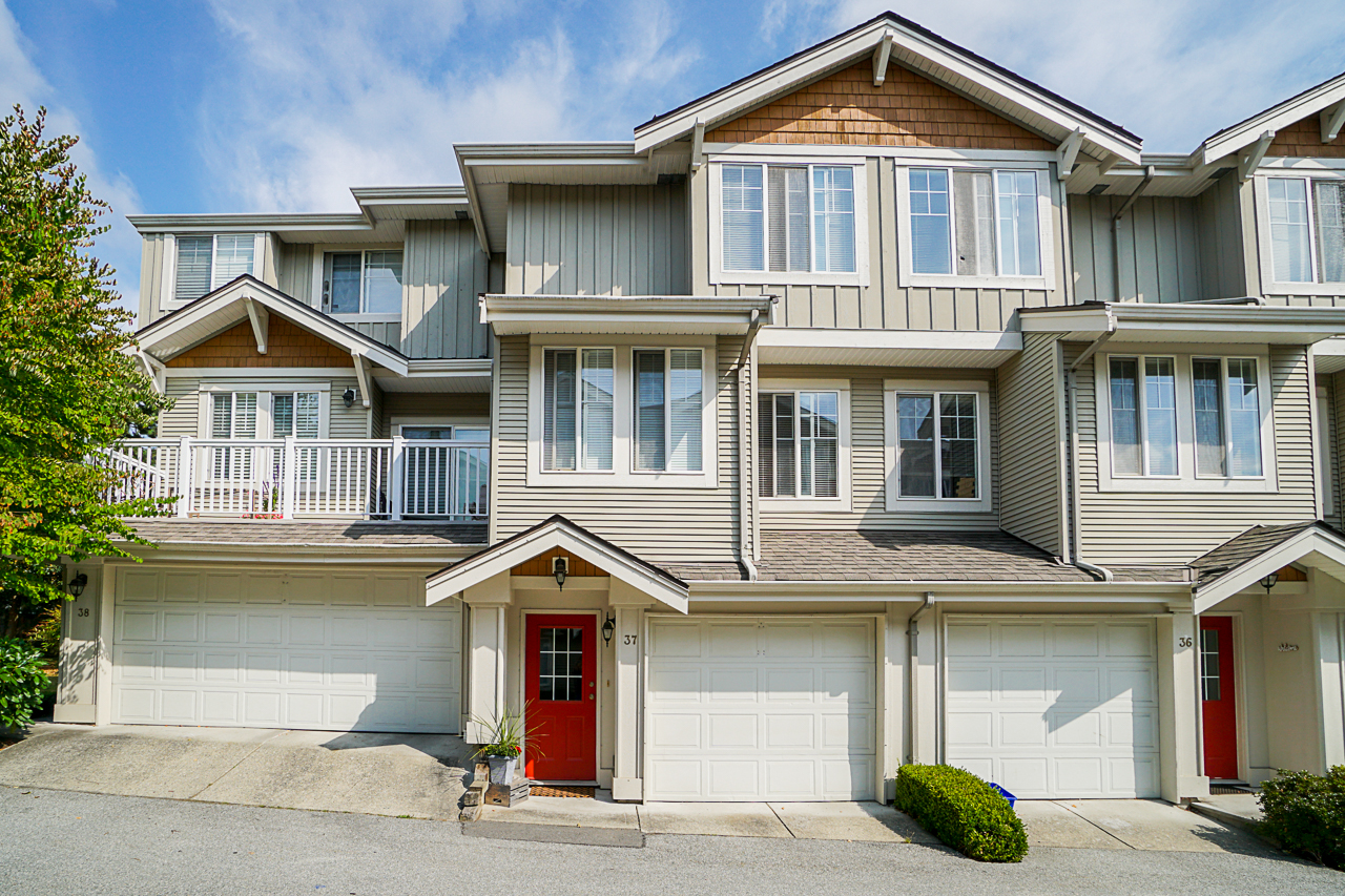 Just Listed in Redmill! 37 14877 58th Ave Surrey BC