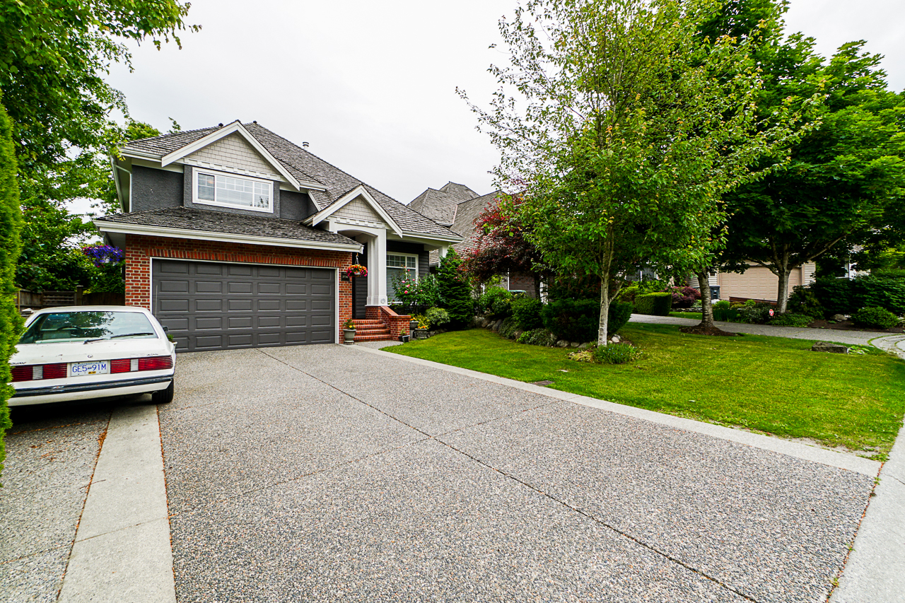 Just Listed in South Surrey. 3736 154a Street