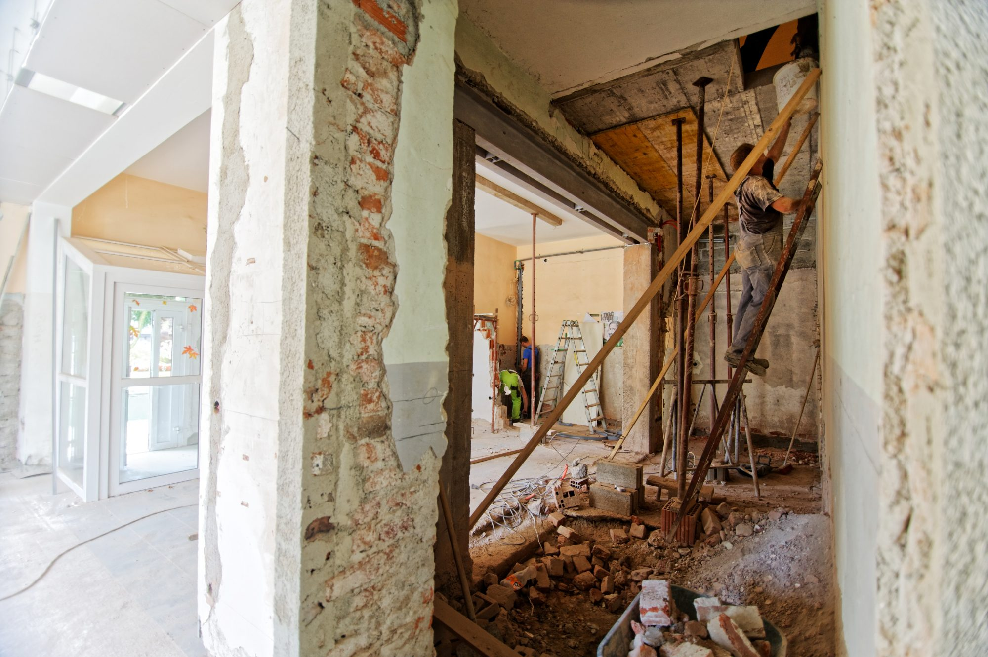 Should You Renovate or Sell Your Home?  5 Factors to Consider.